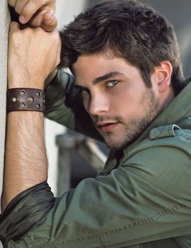 Your Hunk of the Day: Brant Daugherty