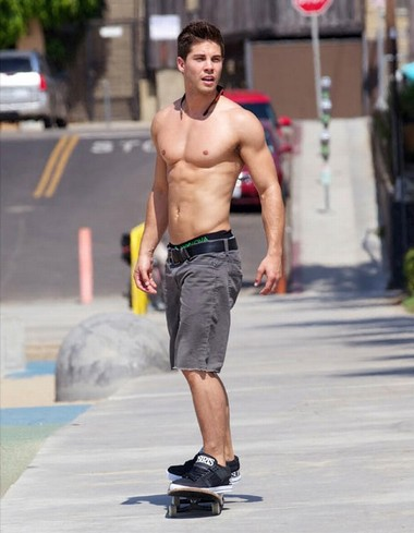 Your Hunk of the Day: Dean Geyer
