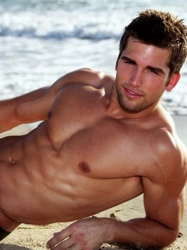 Your Hunk of the Day: Kyle Tiringer