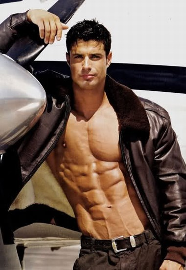 Your Hunk of the Day: Matthew Schaefer
