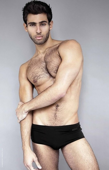 Your Hunk of the Day: Pablo Hernandez