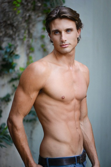 Your Hunk of the Day: Robert MacEwen