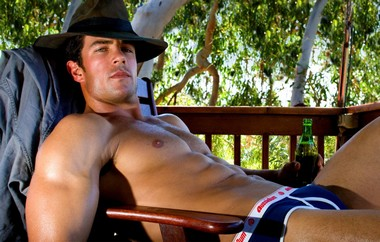 Your Hunk of the Day: Toby Barnett