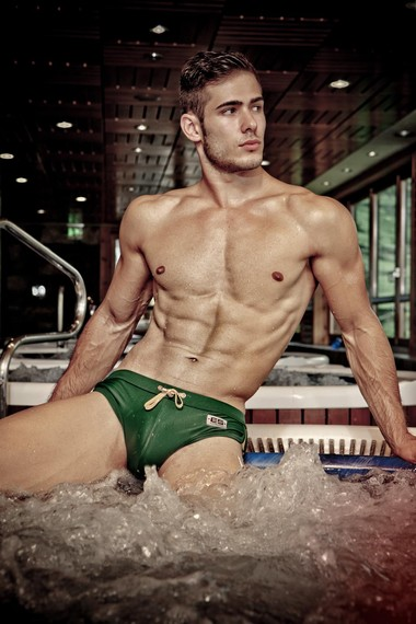 Your Hunk of the Day: Victor