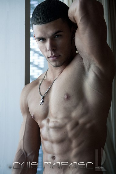 Your Hunk of the Day: Yasiel Fleites